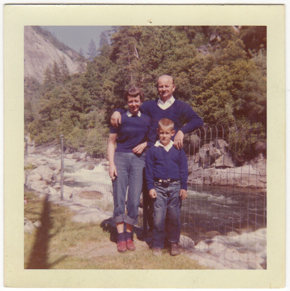 1950s-vintage-image-of-family-in-yosemite