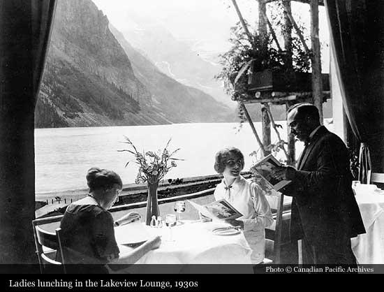 1930s vintage image of Chateau Lake Louise