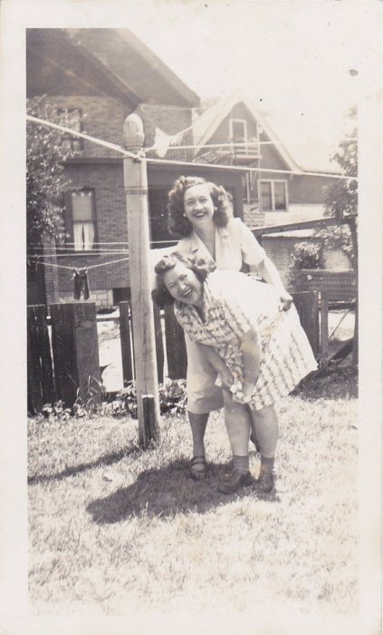 1940s vintage image of 2 women laughing