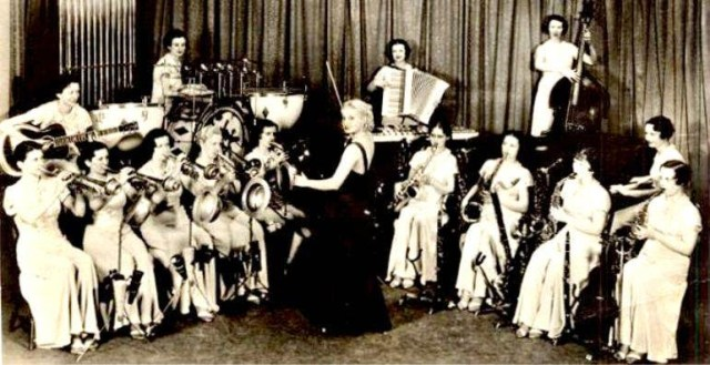 Ina ray hutton and her melodears 1930s