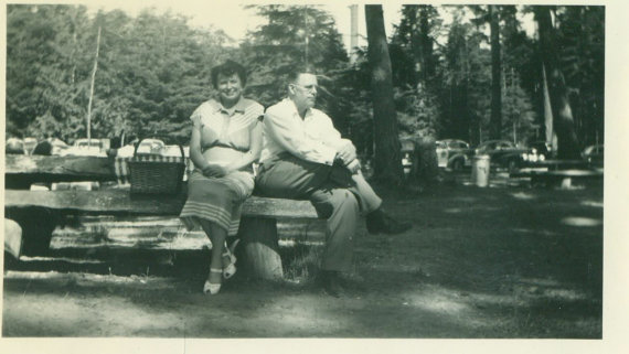 vintage photo of husband and wife picnic 1940s early 1950s