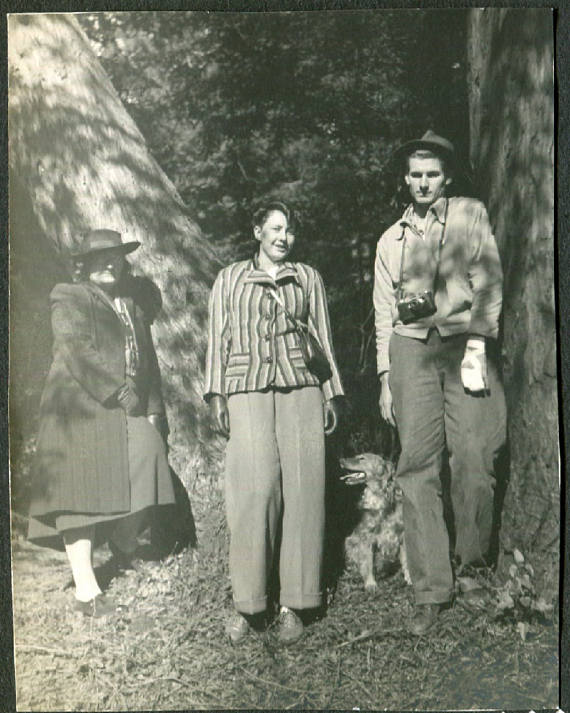 1940s photo of 2 women and man vintage image