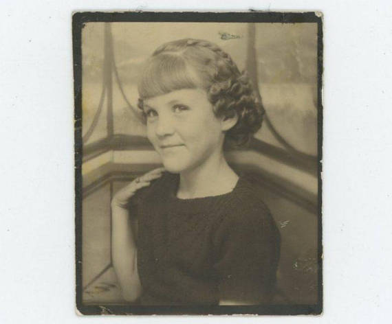vintage photobooth photo 1930s 1940s young girl
