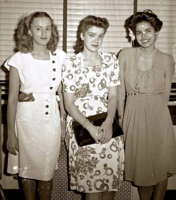 1945 Fashion Vintage Fashion Vintage Photo Vintage Hairstyle