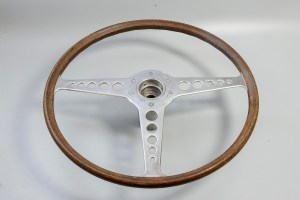 Jaguar C28590 - 16 in. Wood Rimmed Steering Wheel