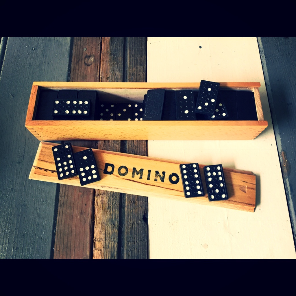 Double 9 Domino Set 3 Monkeys 55 Pieces Vintage Man Stuff