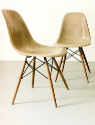 Eames Side Chairs Parchment, Foto © Jörg Astheimer