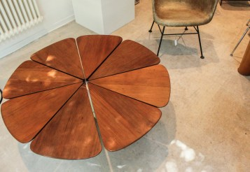Richard Schultz Petal Table