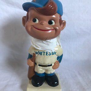 Chicago Whitesox MLB Extremely Scarce Crooked Cap Nodder 1962 Vintage Bobblehead White Square Base