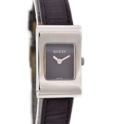 Pre-Owned Gucci Quartz Rectangular Ladies Watch 2300L