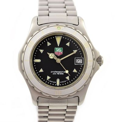 Pre-Owned and Collectible Tag Heuer 2000 Professional 200M Midsize Watch 972.613R