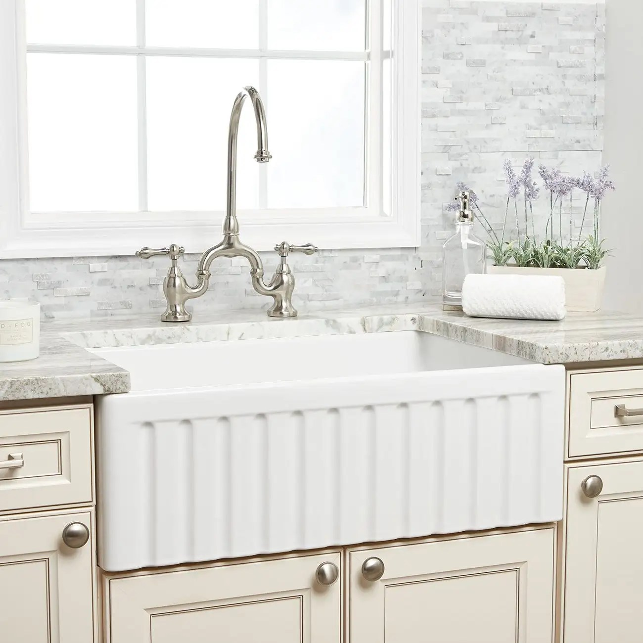 30 inch reversible fluted fireclay farmhouse sink white