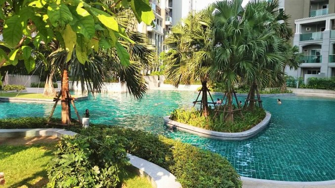 Lovely 5th floor swimming pool at Belle Condominium