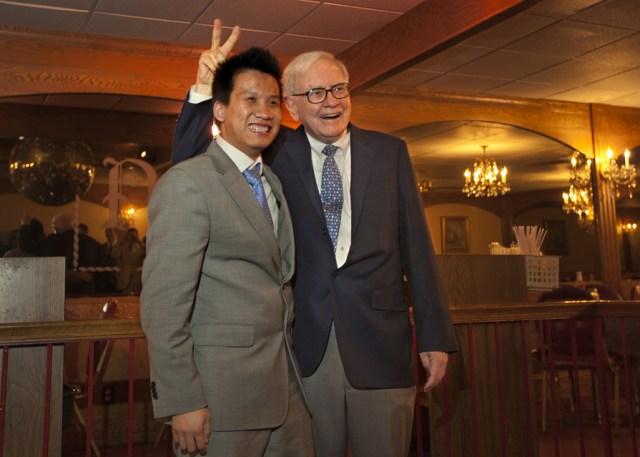 Buffett Having Fun 1