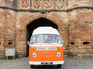 tour castles, historical buildings and palaces in a Vintage VW Camper at your own pace