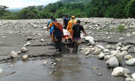 Defensa Civil evacuó a mujer y bebé de 6 meses de gestación desde remota vereda