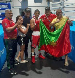 Alexander Javier Queralez Molina, ganó su primera pelea contra representante de Chocó en la categoría 60 kilogramos.