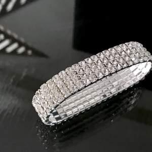 ezüst gyöngyös bizsu karkötő