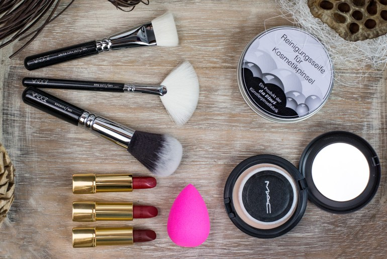 Foto-by-Nadja-Nemetz-Wien-wienerblogger-blogger-beautyblogger_lifestyleblogger-lifestyle-beauty-new-in-womandayhaul-womanday-haul-woman-day-newin-mac-cosmetics-blot-powder-chanel-lippenstift-roter-zoeva-brushes-pinsel-schminkpinsel-beautyblender-blender-1