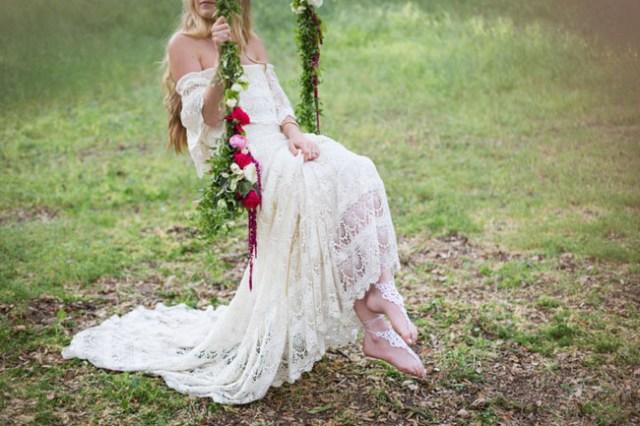 Weddings: Romantic Floral Tree Swings