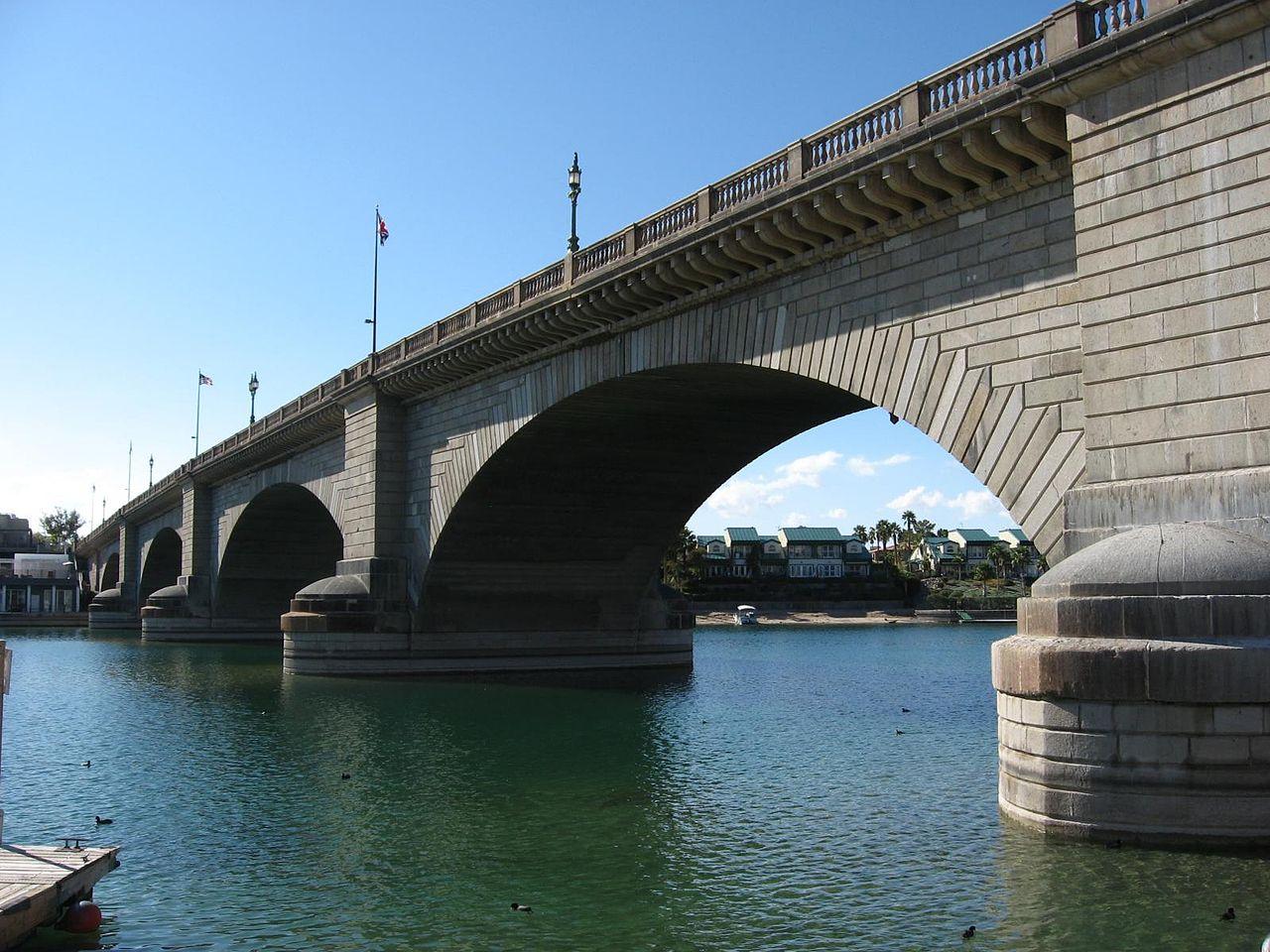 London Bridge, Lake Havasu, Arizona (Photo Credit: Wikipedia)