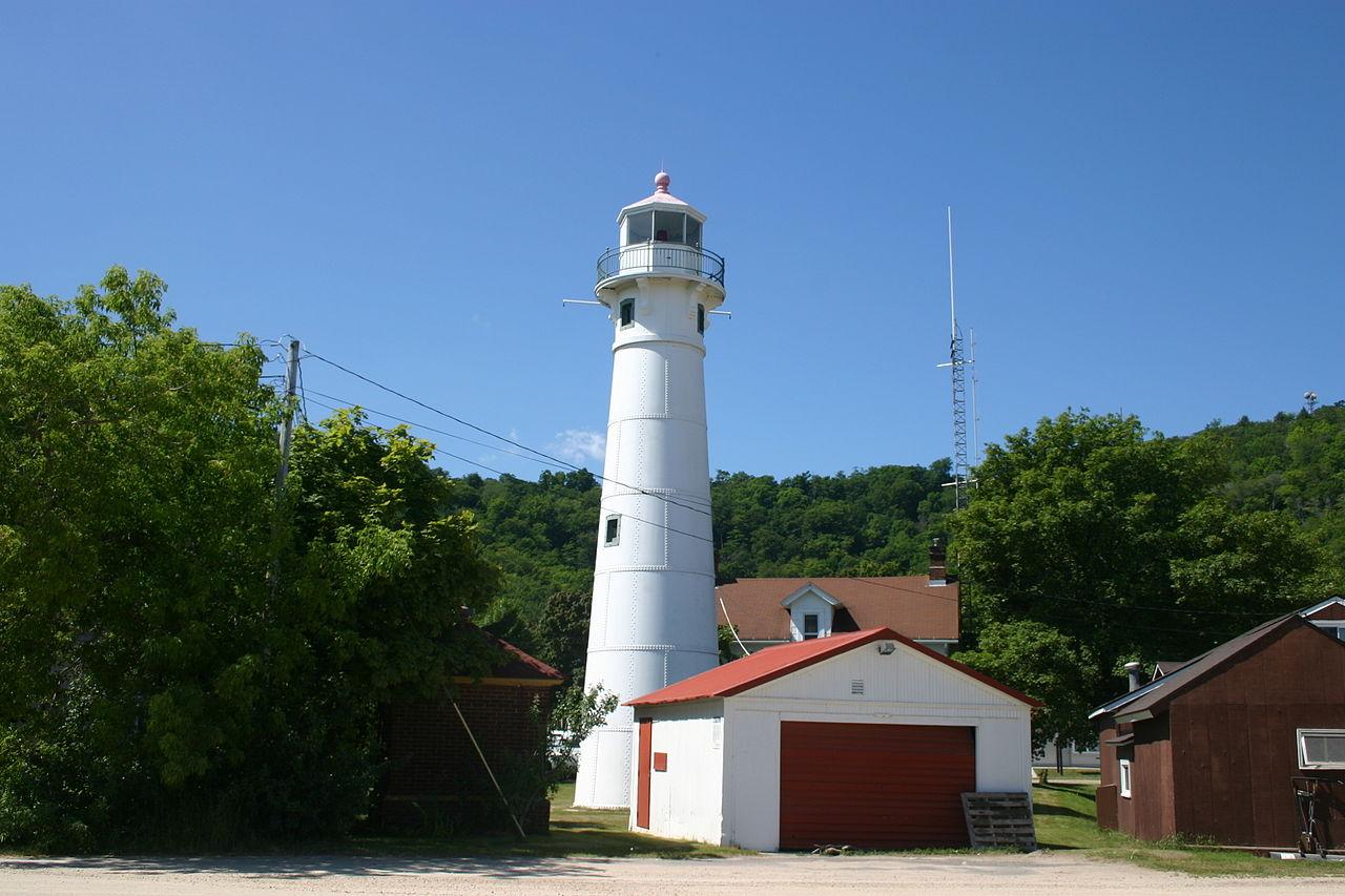 Munising Front Range Lighthouse, Munising, Michigan (Photo Credit: Wikipedia)