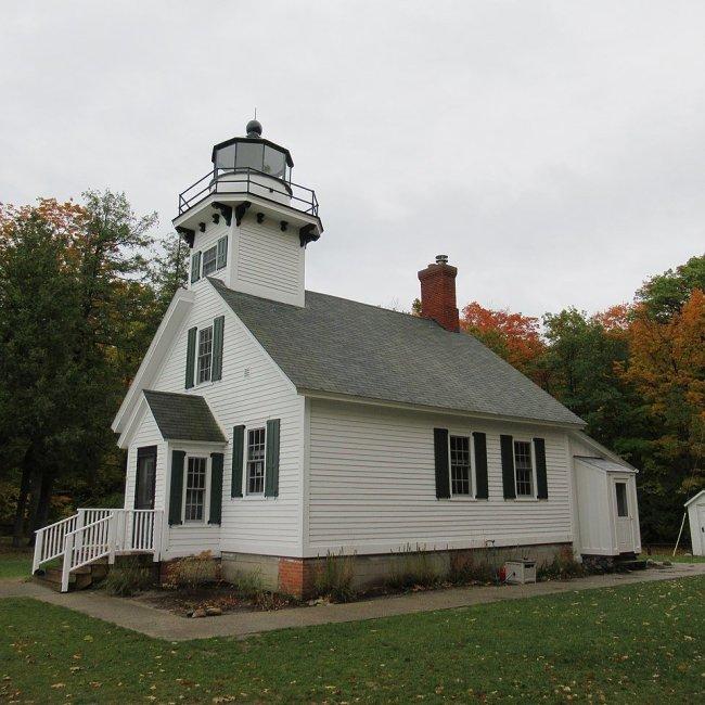 Mission Point Lighthouse, Traverse City, Michigan (Photo Credit: Wikipedia)