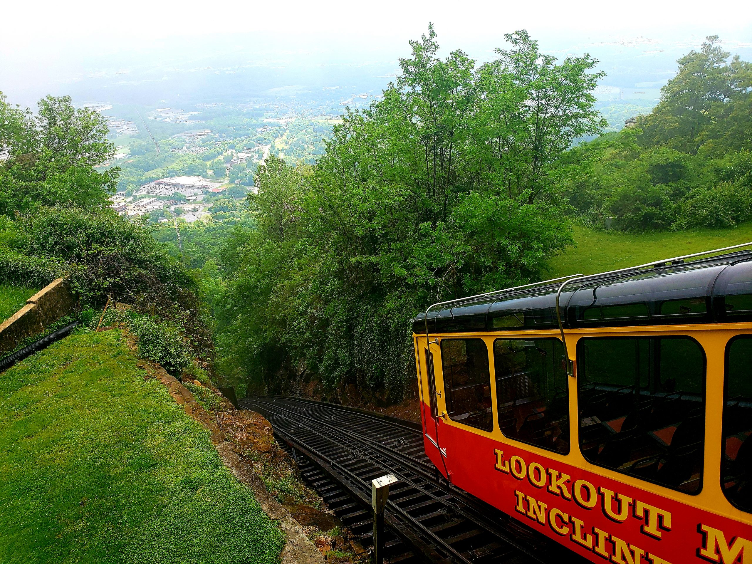 Lookout Mountain Incline Railway, Chattanooga, Tennessee (Photo Credit: Violet Sky)