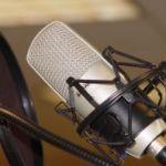 rádióstúdió mikrofonja