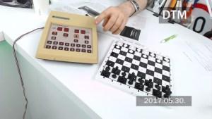 Commodore sakkgép a DTM stúdiójában