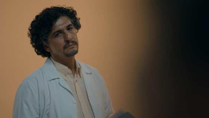 Çukur Doktor Özgür Kimdir? Çukur Doktor Özgür kim? Çukur Deli Doktor'u Özgür kimdir? Çukur Psikolog Doktor Özgür Kimdir? Çukur Psikiyatris Doktor Özgür Kimdir?