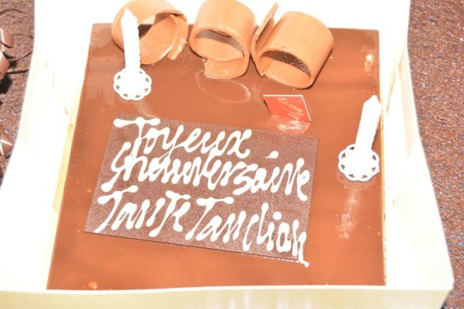 Le cadeau de Colé Faye patronne de COBRA BEAUTY HAIR à son frére Tange Tandian pour son anniversaire: Une montre et bracelet ROLEXE d'une valeur de 3000 EUROS.