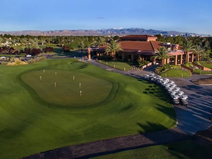 The Legacy Golf Club   Las Vegas   VIP Golf Services Pro Shop     Clubhouse Driving Range     Putting Green     Chipping Green  Practice Sand Traps     Restaurant   Snack Bar  The Legacy Golf Course 3