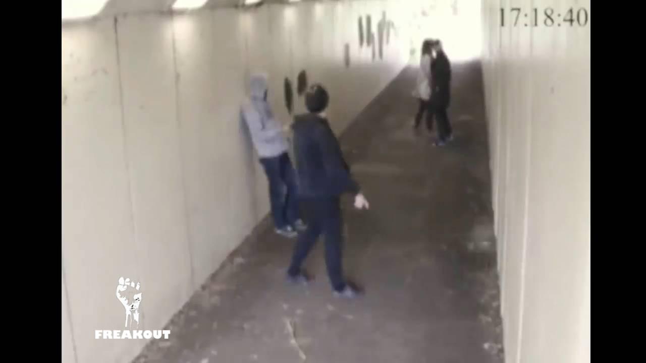Bang! Bokser forsvarer sin kæreste med enkelt slag: KNOCKOUT!
