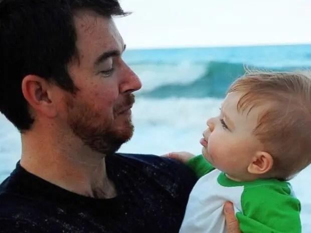 niño-meme-papa-trasplante-riñón-playa
