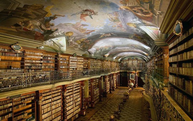 biblioteca-praga5