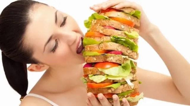 lucha-de-personas-que-siempre-tienen-hambre3