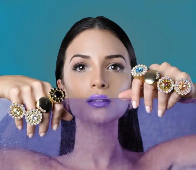 anillos-corcho-joyeria-unica-materiales-innovador-reciclaje-anillos2