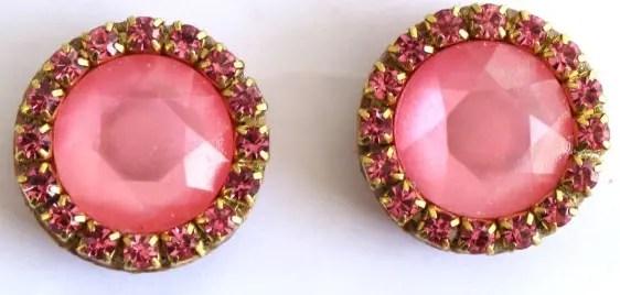 anillos-corcho-joyeria-unica-materiales-innovador-reciclaje-zarcillos-rosa