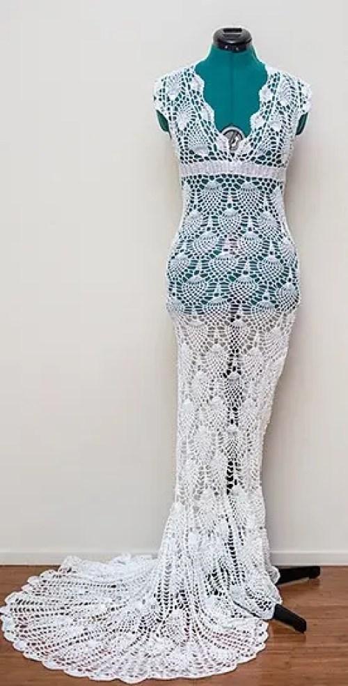 mujer teje vestido novia 2