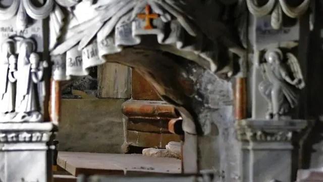 abren-sepulcro-de-jesucristo-despues-de-siglos3