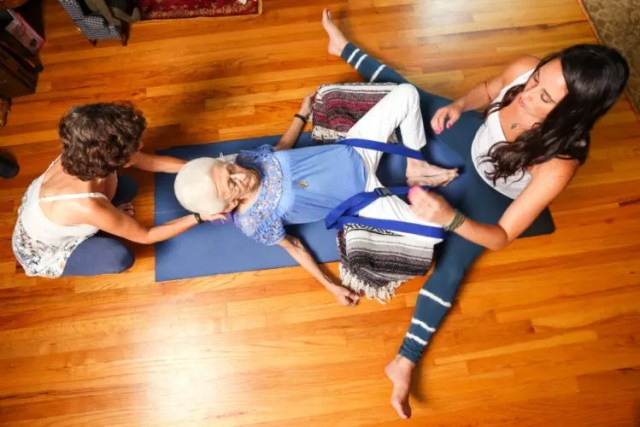 abuela_yoga-6