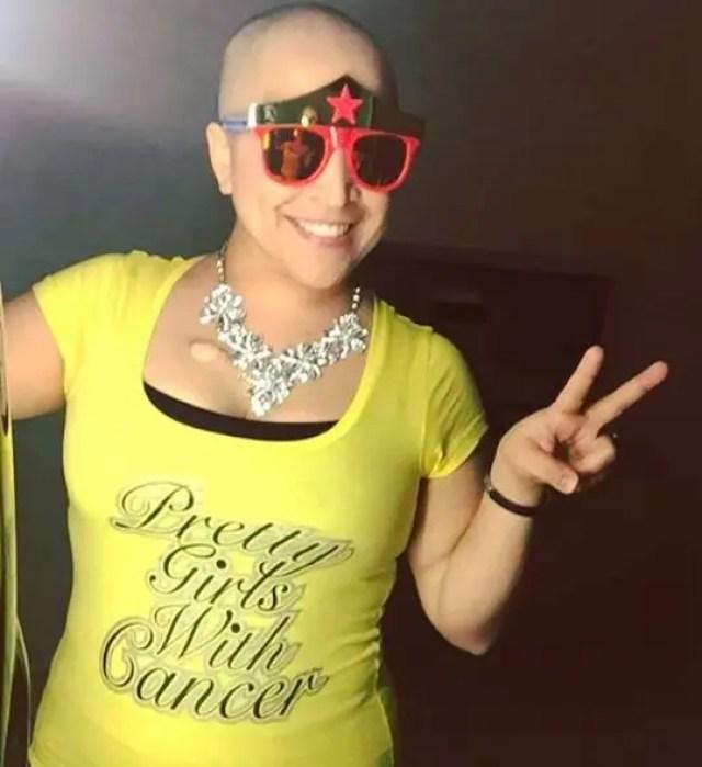 paciente-con-cancer-baila-con-su-amiga5
