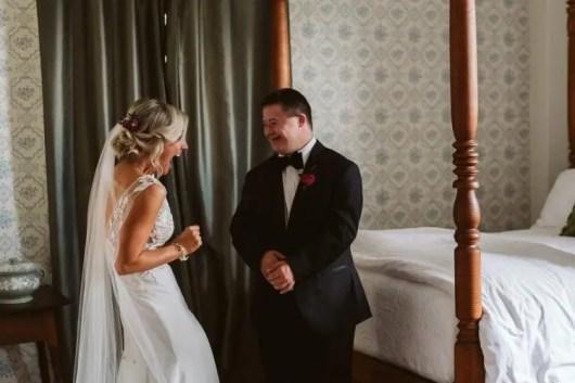 Justo cuando estaba a punto de casarse hace llorar a su hermano con  Síndrome de Down - Viralistas.com