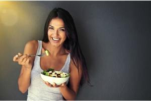 6 Foods that can help your skin to keep glowing even after 40