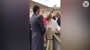 Stealing Inside The Vatican Is Obviously Illegal, But This Little Girl Almost Gets Away With It