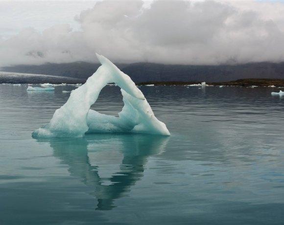 İzlanda – Jökulsárlón Buzul Gölü'nde Gece ve Gündüz