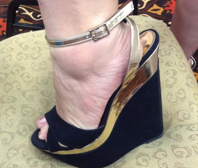 There Was So Much Amazing Footwear At Bbw Fanfest This Is One Of Courtneys Yummy Gold Rimmed Wedges