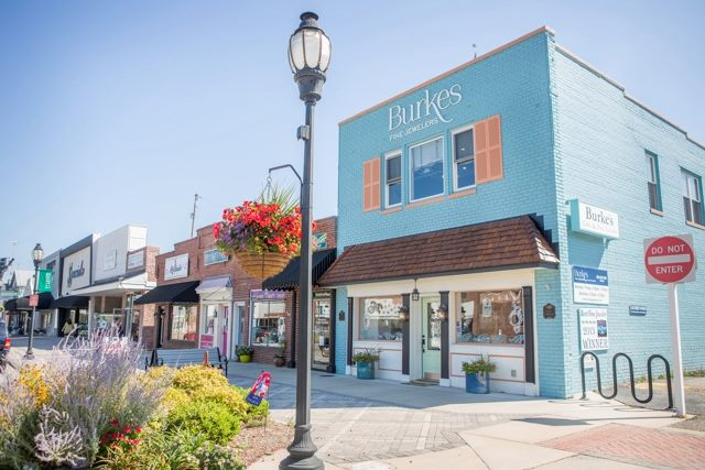 8 Great Small Towns in Virginia's River Realm