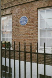 Blue plaque on Hogarth House, Richmond